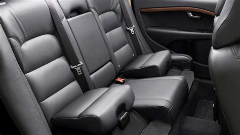 Volvo urges child safety seat re-think - Car News | CarsGuide