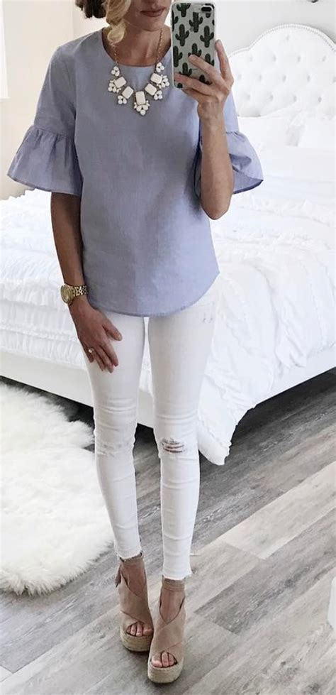 Bell sleeve top | Fashion, Cool outfits